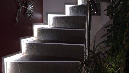 Escalera Lorceram pro-skirting led